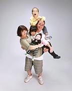 2010年九州写真師連盟主催第112回九州写真展覧会にて第3部(営業写真)-準特選-1席 幸せの重み