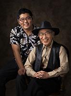 2016年九州写真師連盟主催第118回九州写真展覧会にて 第3部(営業写真)-入選-7席 孫と一緒に